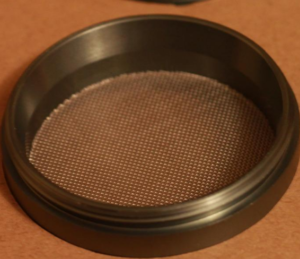 Masterdam 4 Piece Grinder Compact Size Catching Compartment